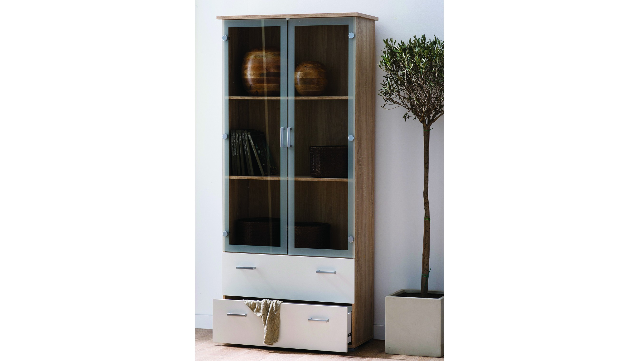 vitrinen deko best vitrine hellblau ideen bilder roomido modern dekoo with vitrinen deko. Black Bedroom Furniture Sets. Home Design Ideas
