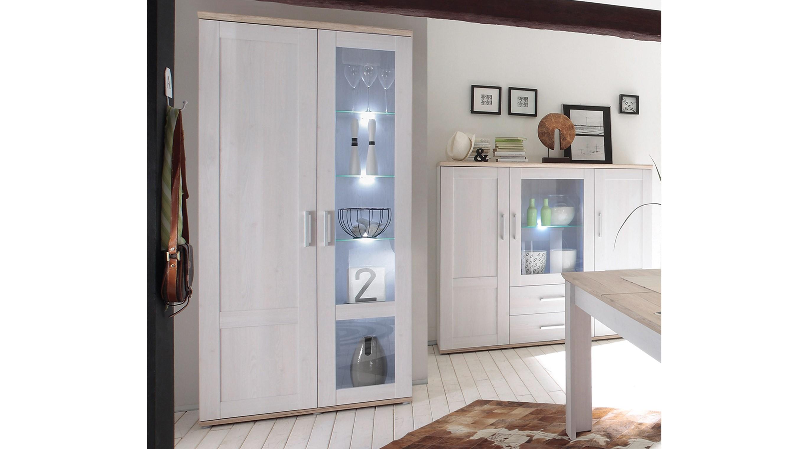 ezimmer landhausstil rustikal die neuesten. Black Bedroom Furniture Sets. Home Design Ideas